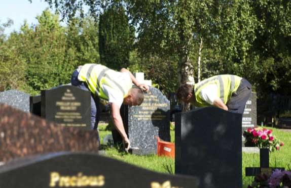 Ursells memorial maintenance service